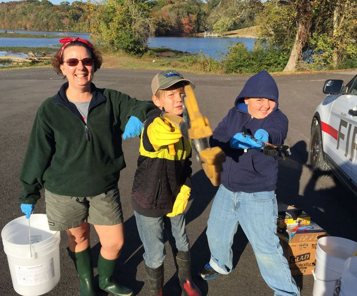 Four volunteers at the Clearview Community Cleanup